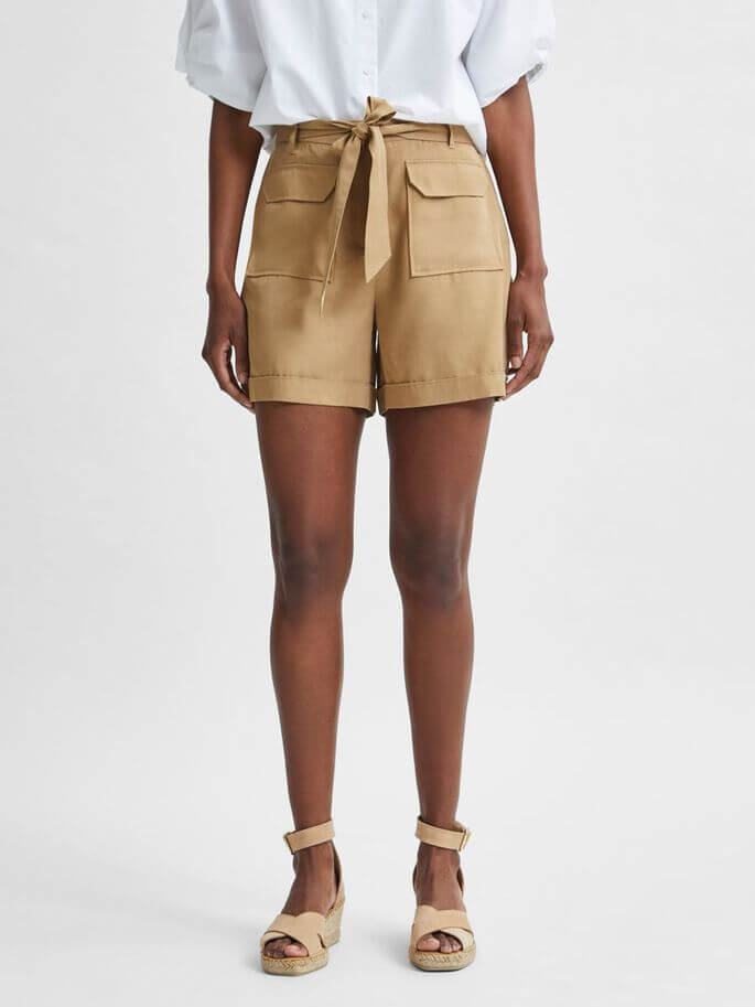 SELECTED FEMME Shorts Taylor Kelp | Artikelnummer:16079008 kelp